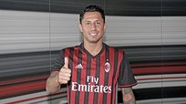 Gianluca Lapadula firmó por AC Milan hasta el 2021 [VIDEO]