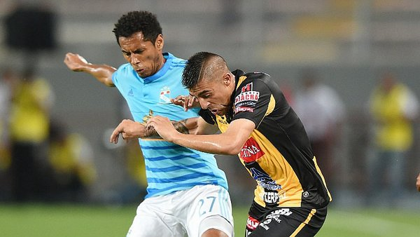 Sporting Cristal empató con The Strongest y se complica [VIDEO]