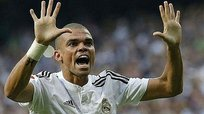 Real Madrid: Pepe se aferra a quedarse en el club merengue