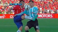 Copa América 2015: Terrible entrada de Gary Medel a Lionel Messi [VIDEO]