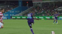 Doble blooper de William Gallas en Australia [VIDEO]