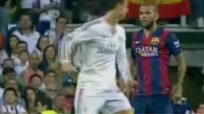 Encontronazo de Cristiano Ronaldo y Dani Alves - Real Madrid vs Barcelona [VIDEO]