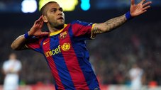 Barcelona: Dani Alves canta para periodistas [VIDEO]