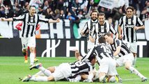Juventus supera sobre el final a Catania y sigue firme en Italia [VIDEO]