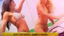 Karen Dejo y Yamila Piñero calentaron la web con sexy car wash [VIDEO]