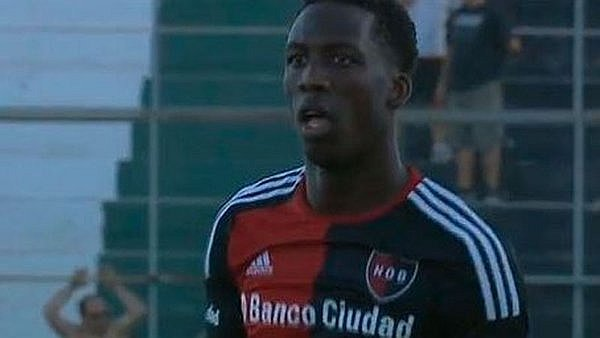 Luis Advíncula jugó en empate de Newell's Old Boys [VIDEO]