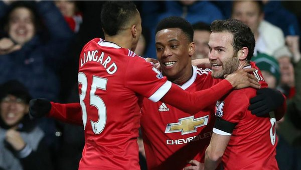 Premier League: Manchester United se recupera y golea al Stoke City [VIDEO]