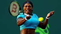 Serena Williams avanza en el Masters de Miami