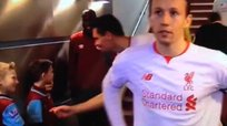 YouTube: niño del West Ham 'trolleó' a defensor del Liverpool
