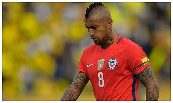 Perú vs Chile: Hinchas se burlan de Arturo Vidal [Video]