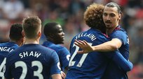 Manchester United golea a Sunderland (0-3) y lucha por cupo a Champions (VIDEO)