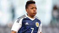 YouTube: Karamoko Dembelé de 13 años humilló a rival mayor que él [VIDEO]