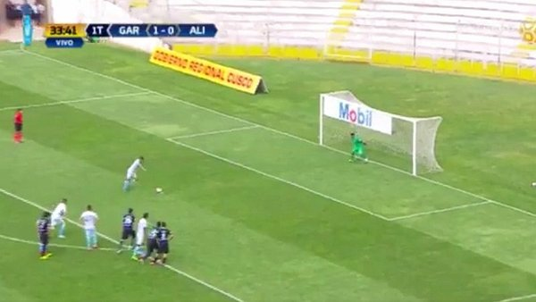 Real Garcilaso: Valverde anota el segundo gol de penal [VIDEO]