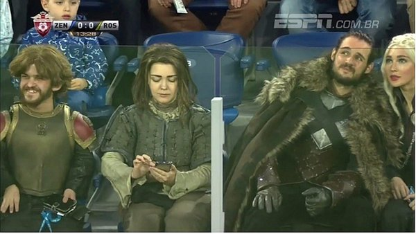 Personajes de Game of Thrones aparecen en partido de la Liga Rusa [VIDEO]