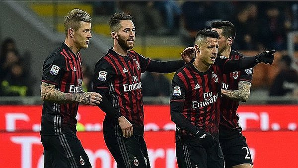 AC Milan se complica por el 'fair play' financiero