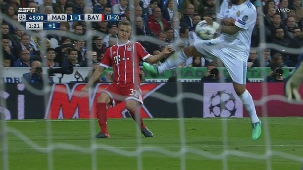 Real Madrid: Marcelo admite que sí fue penal para Bayern Munich [VIDEO]