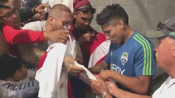 Raúl Ruidíaz desata la locura en hinchas de Seattle Sounders [VIDEO]