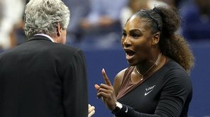 Serena Williams será multada por agredir verbalmente a árbitro