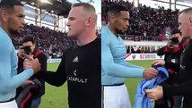 Alexander Callens y Wayne Rooney intercambiaron camisetas [VIDEO]