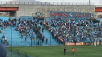 Barristas de Sporting Cristal se pelean en pleno partido [VIDEO]