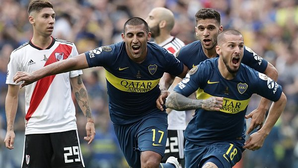 Boca vs. River: Darío Benedetto marcó espectacular gol de cabeza [VIDEO]