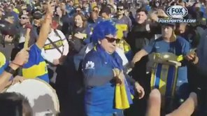 'Falso Maradona' lidera a toda la barra de Boca Juniors en Madrid [VIDEO]